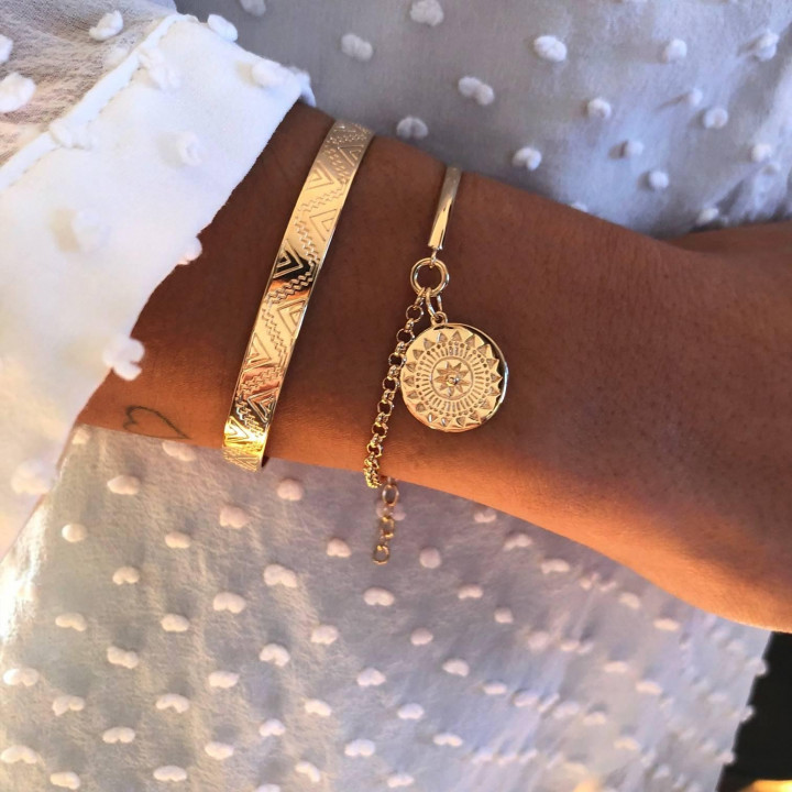 Gold-plated half bangle and chain bracelet with Helios medal