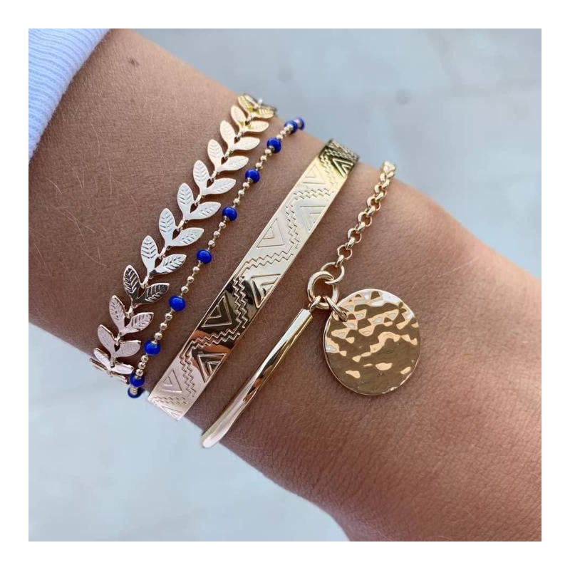 Gold-plated half bangle and chain bracelet with hammered medal