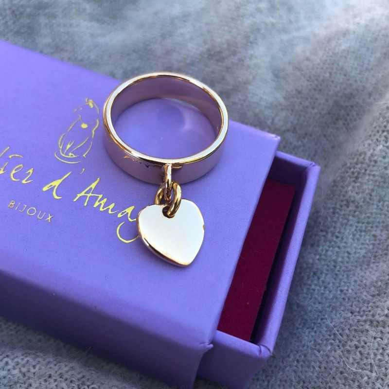 Gold-plated Band ring with heart medal