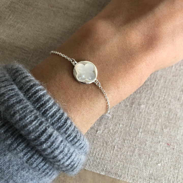 925 Silver chain bracelet with white nacre clover medal