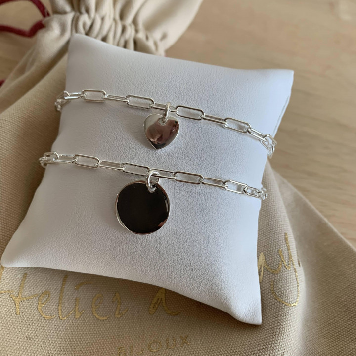 925 Silver chain bracelet with large links & curved heart medal