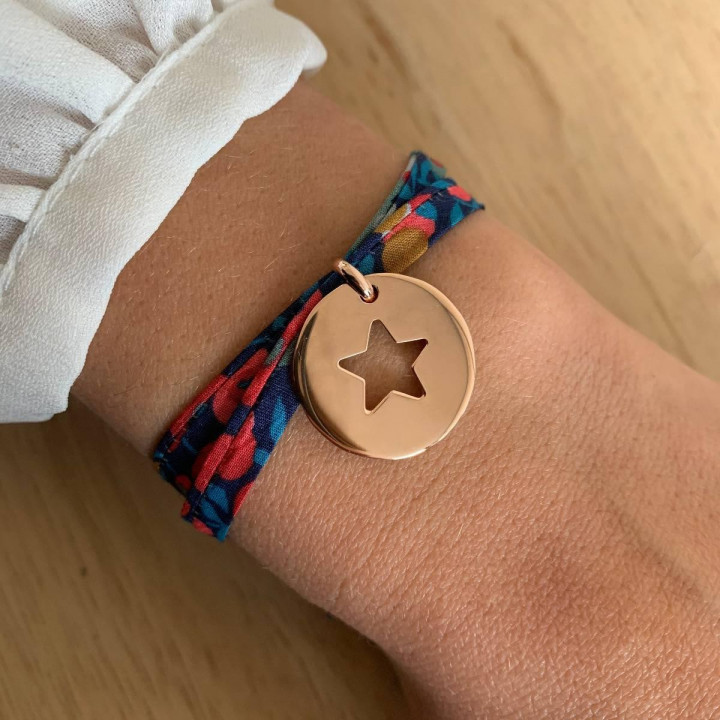 Liberty bracelet with rose gold-plated large hollowed star medal