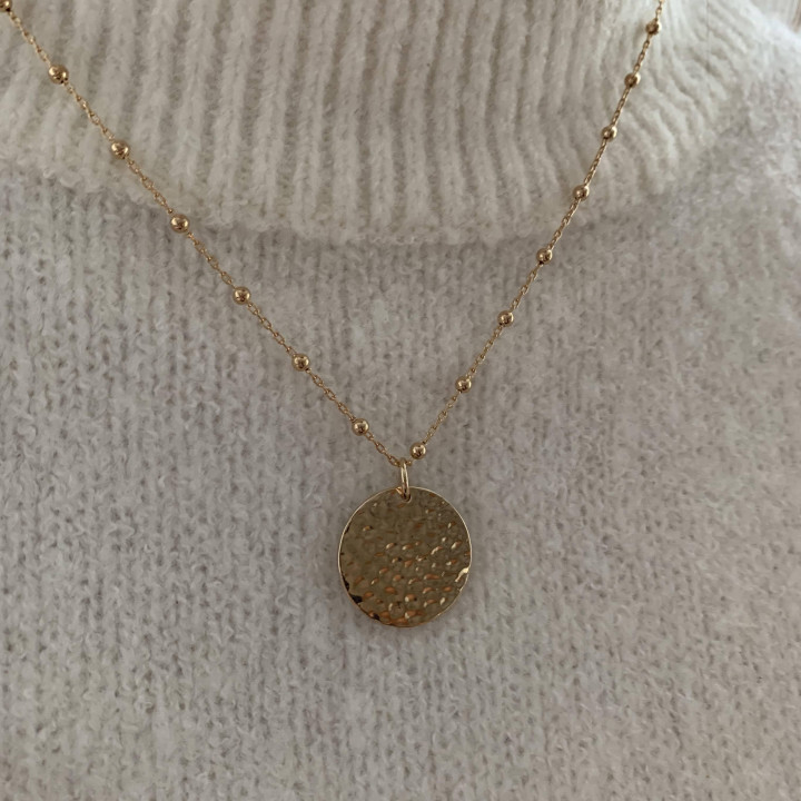 Gold-plated beaded chain necklace with hammered medal