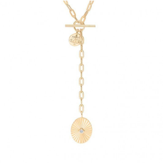 Chain necklace with large links & striated medal