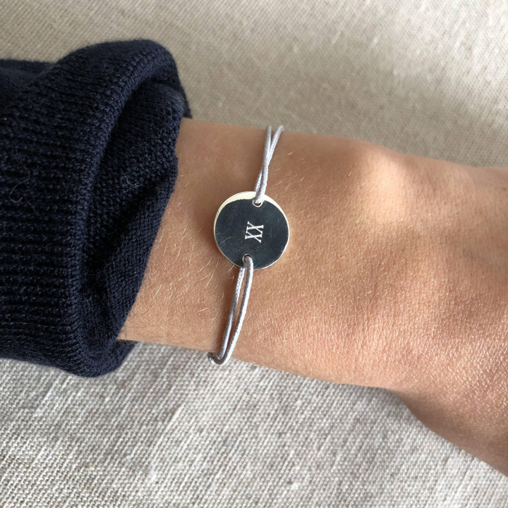 925 Silver tie bracelet with customisable medal