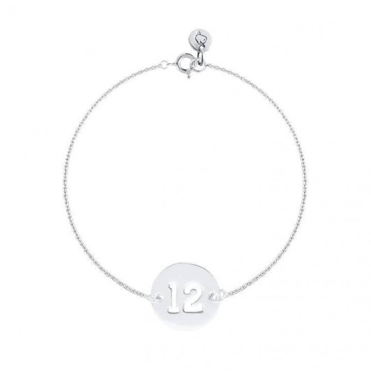Chain bracelet with perforated number