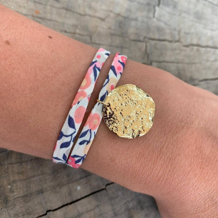 Liberty bracelet with gold-plated Atlas medal