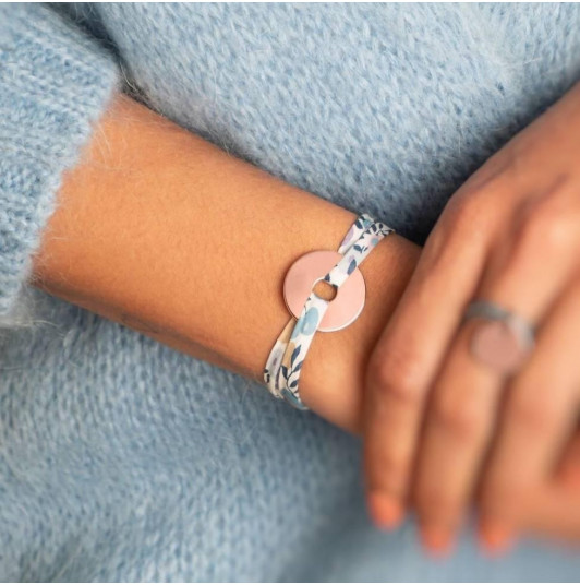 Liberty bracelet with small target