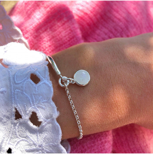 Half bangle and chain bracelet with Monstone medal
