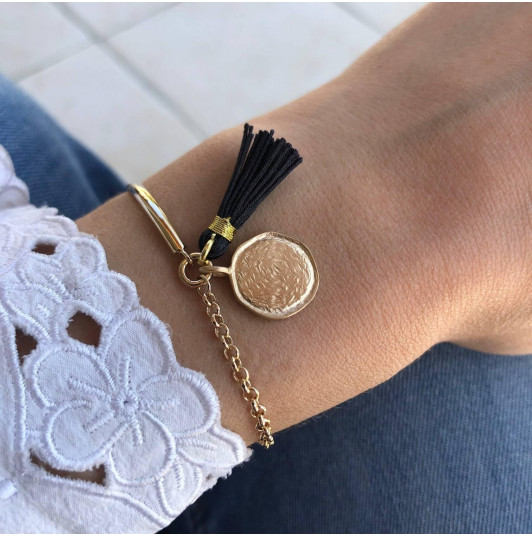 Half bangle and chain bracelet with Naïa medal & pompom