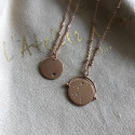 Gold-plated twisted chain necklace & small hammered medal