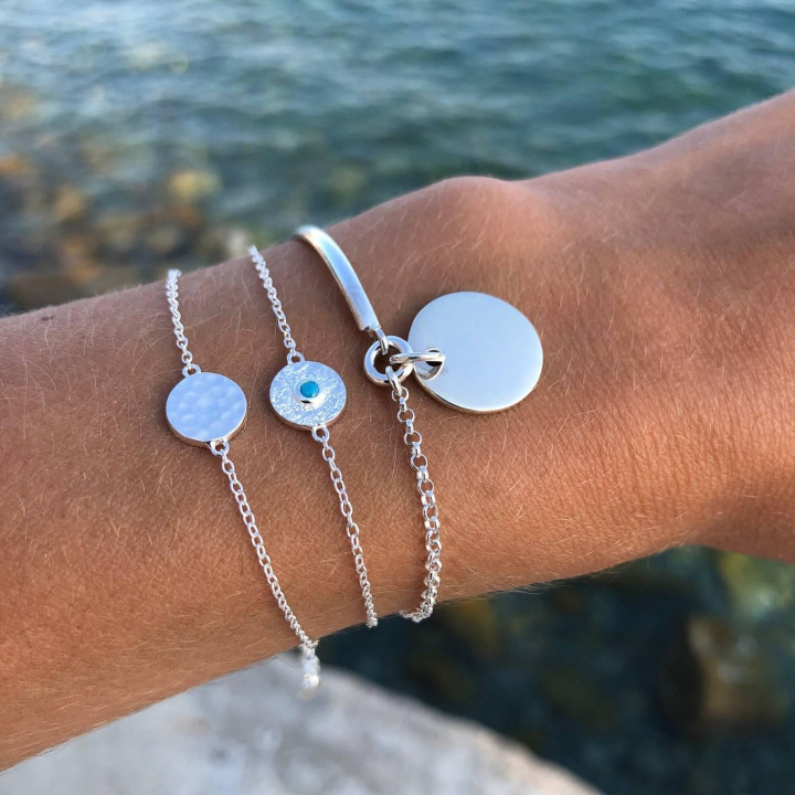 925 silver Textured medal & turquoise chain bracelet