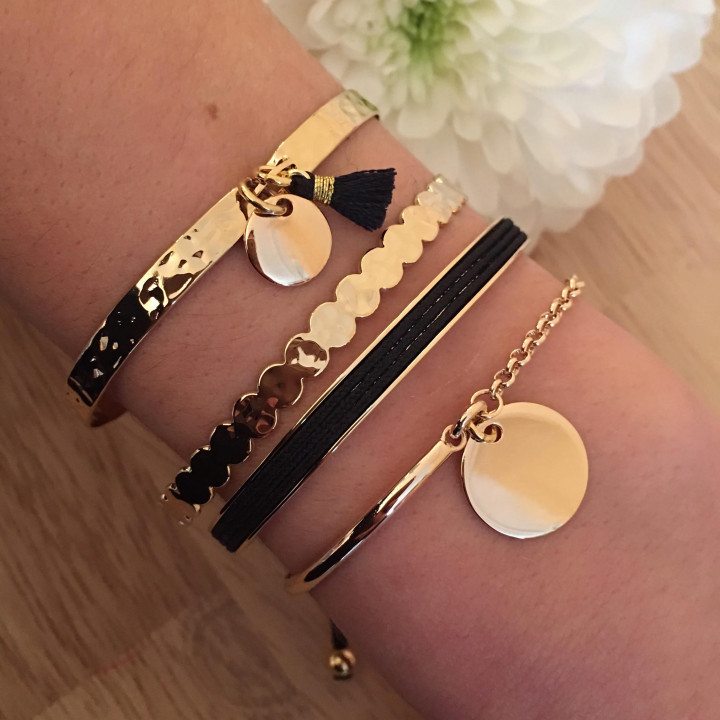 Black and gold-plated hammered combination