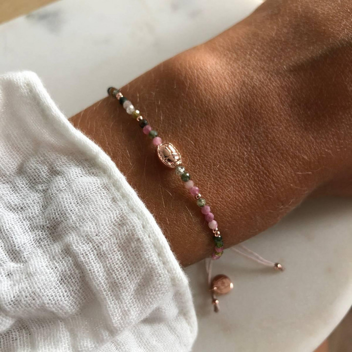 Rose gold-plated tie bracelet with tourmaline gemstones beads & beetle