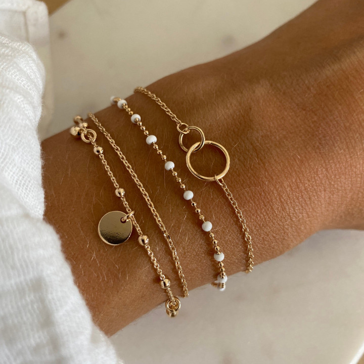 Gold-plated chain bracelet with two thin rings