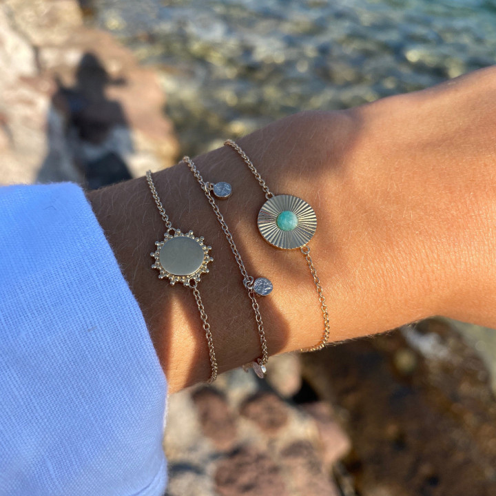 Gold-plated amazonite & striated medal chain bracelet