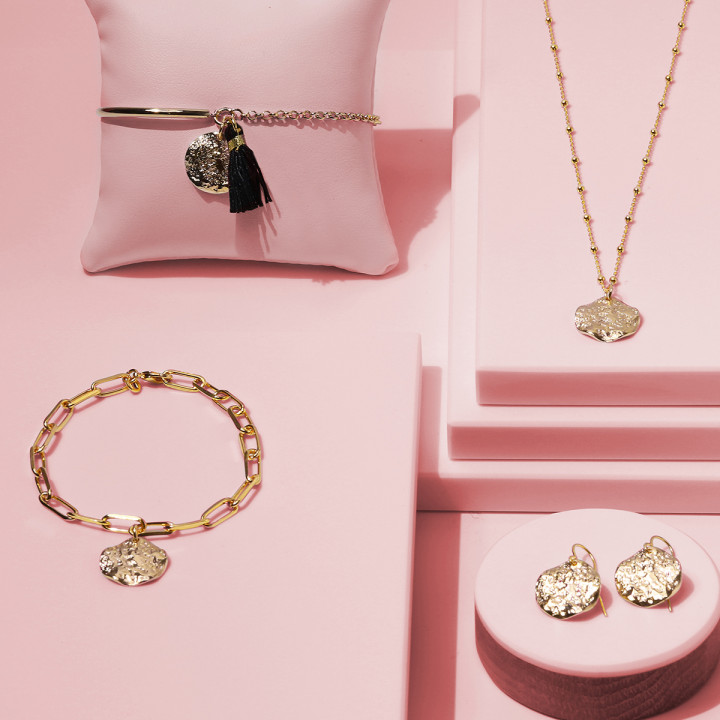 Half bangle and chain bracelet with small Atlas medal