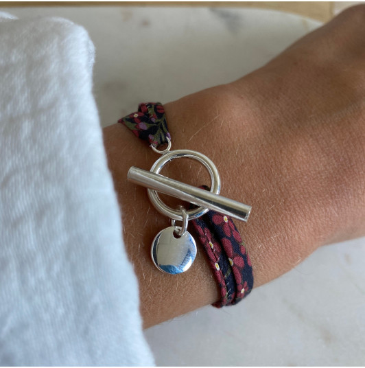 Liberty bracelet with T-toggle & small curved medal