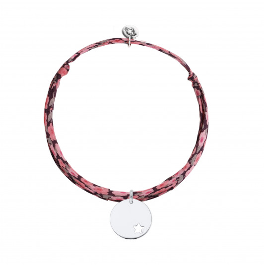 Liberty bracelet with hollowed star medal