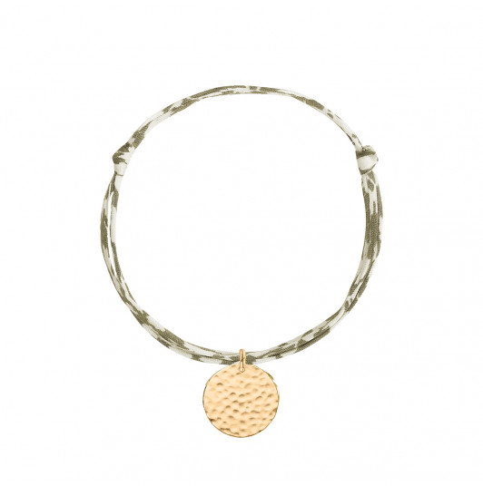 Liberty bracelet with hammered medal