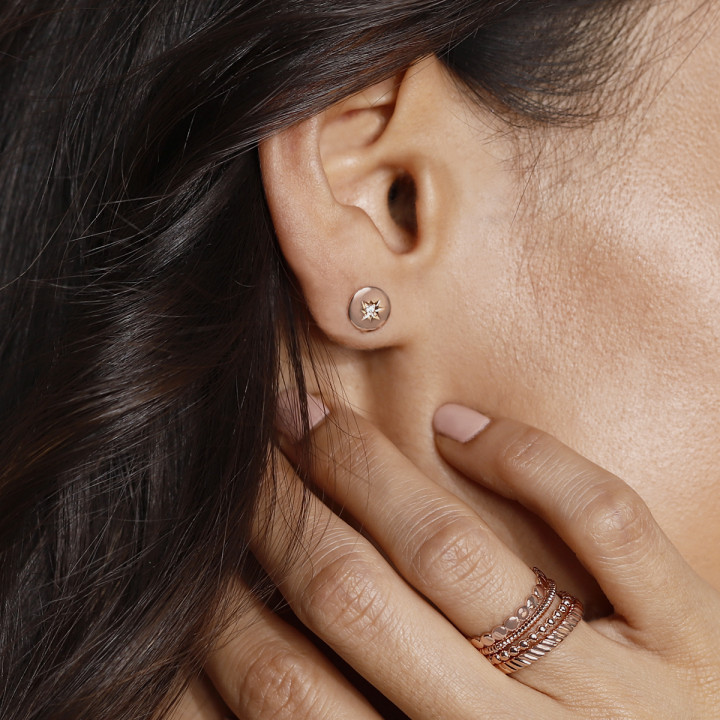 Rose gold-plated small shining star stud earrings