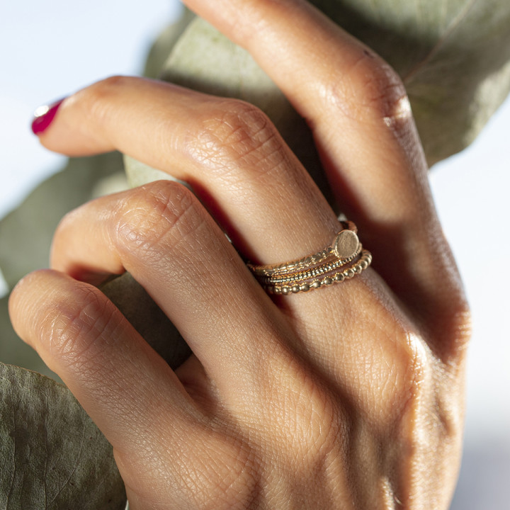 Gold-plated chiselled & striated ring set