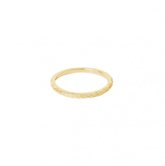 Chiselled and textured band ring