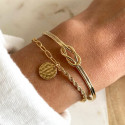 Gold-plated twisted and large link chain bracelet with hammered medal