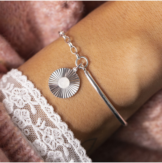 Half bangle and chain bracelet with striated Moonstone medal