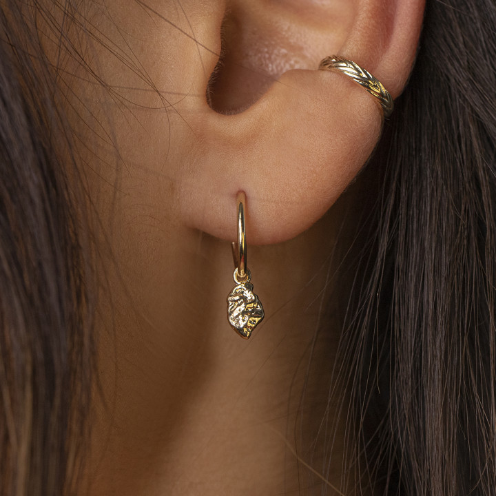 Gold-plated hoop earrings with textured pendant