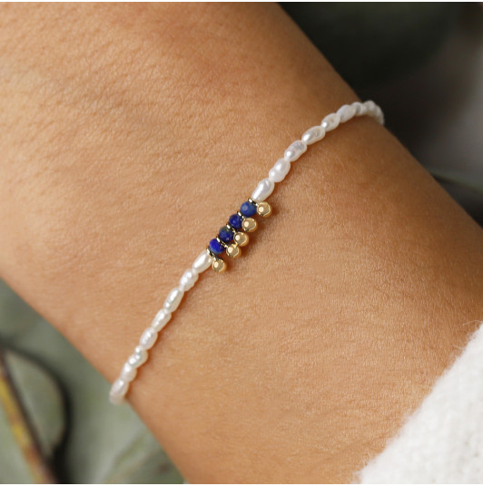 Silky thread bracelet with nacre & Lapis Lazuli beads