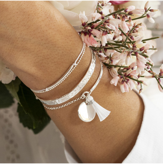 White sea bracelet trio