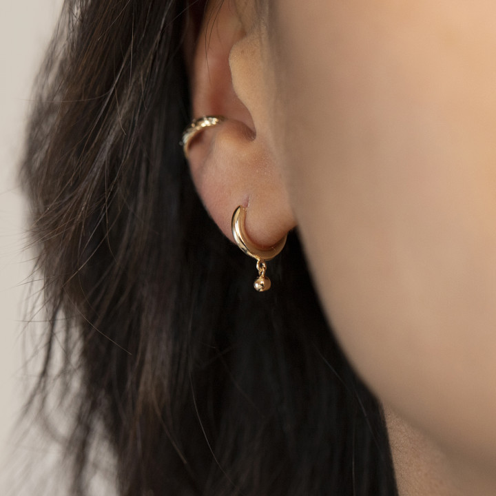 Gold-plated Hoop earring with hanging bead