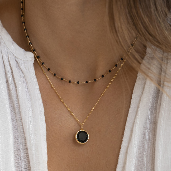Gold-plated beaded chain necklace with onyx medal