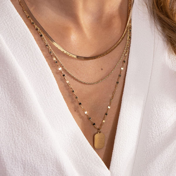 Gold-plated triple row necklace with rectangular medal