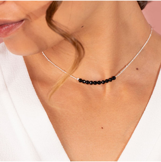Chain necklace with Onyx row