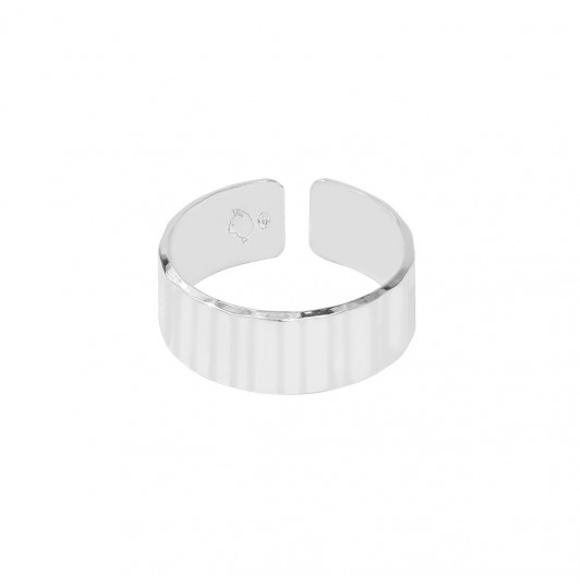 Ajustable ring with striated tube