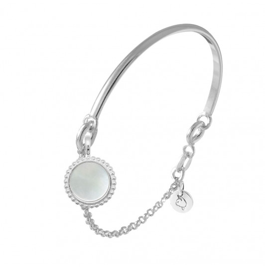 Half bangle and chain bracelet with beaded Nacre medal