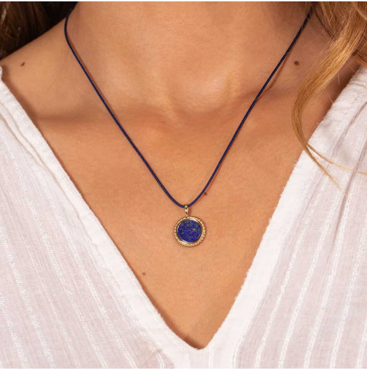 Tie necklace with beaded Lapis Lazuli medal