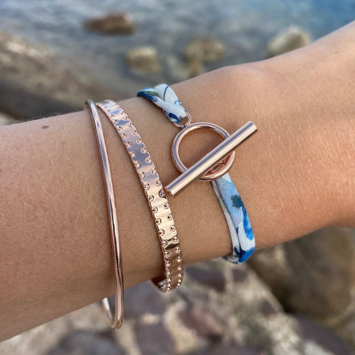Liberty bracelet with rose gold-plated T-toggle