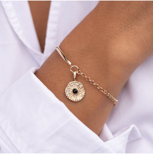 Half bangle and chain bracelet with sun Onyx medal
