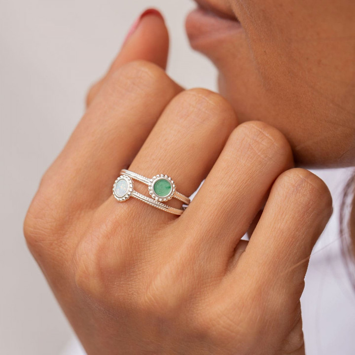 925 Silver band ring with beaded white Opal medal