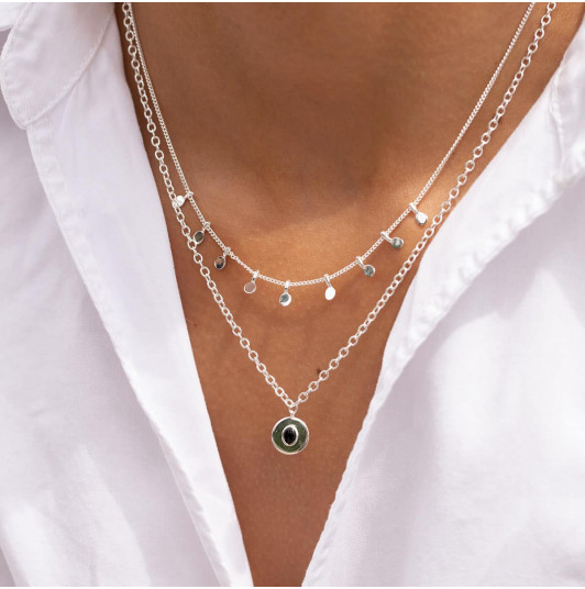Two row chain necklace with petals & Onyx