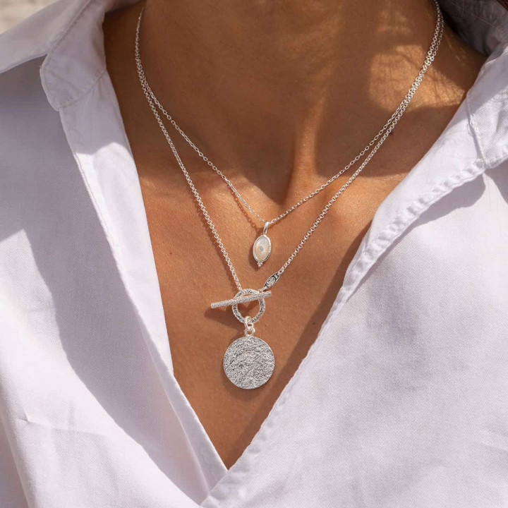 925 Silver chain necklace with textured t toggle & medal