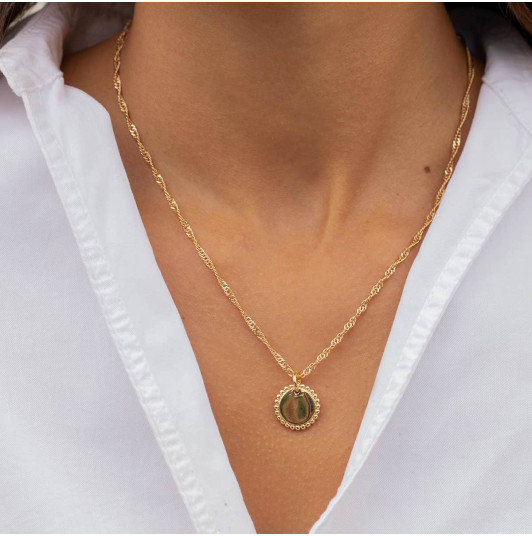 Thick twisted chain necklace with Solis medal
