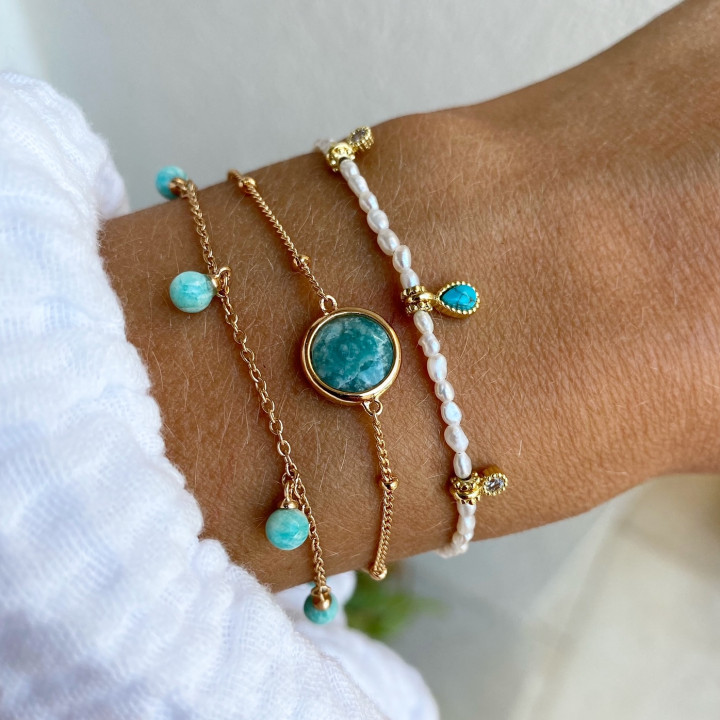 Gold-plated Silky thread bracelet with nacre beads & Turquoise medal