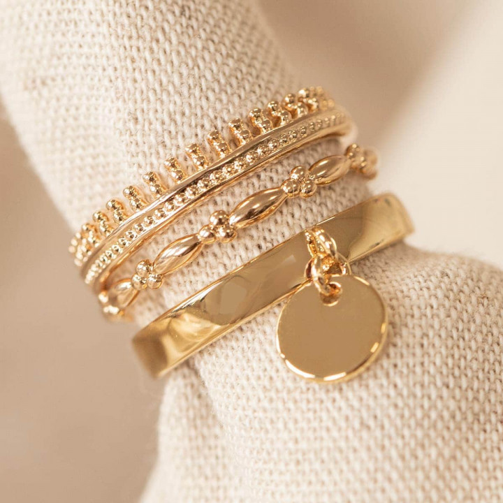 Gold-plated crown rings & 3 small beads set