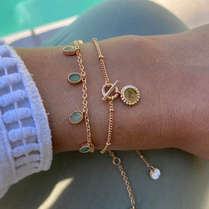 Gold-plated chain bracelet with t toggle & beaded medal