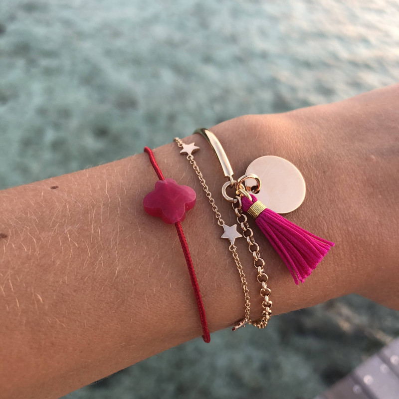 Tie bracelet with rose fuschia agate clover