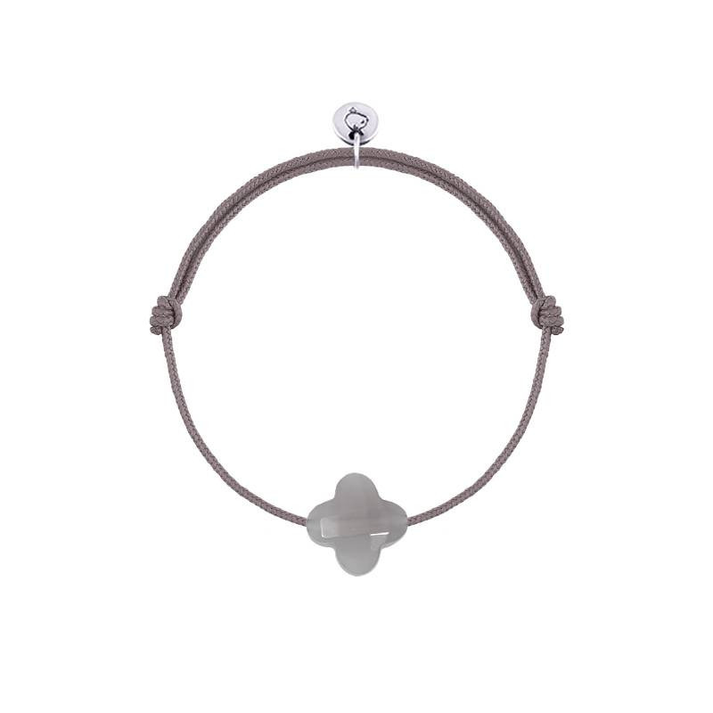 Tie bracelet with grey agate clover
